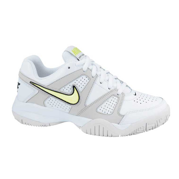 nike city court 7 junior tennis trainers